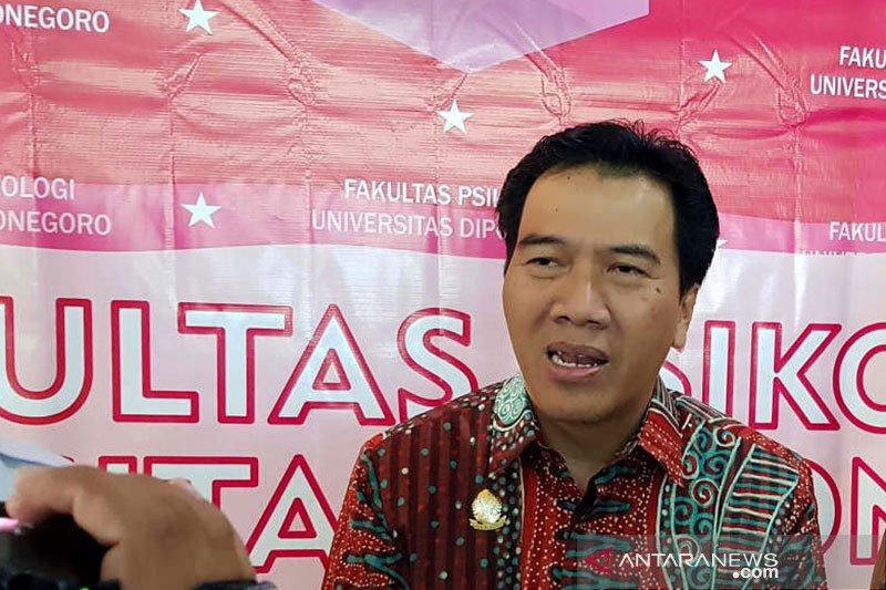 Undip Semarang kukuhkan 21 profesor sekaligus