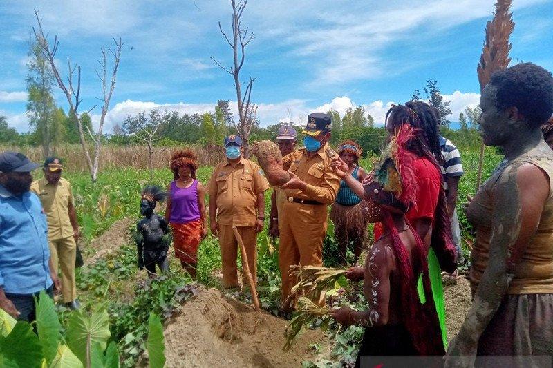 Bupati: proposal permintaan bantuan bukan budaya masyarakat Jayawijaya