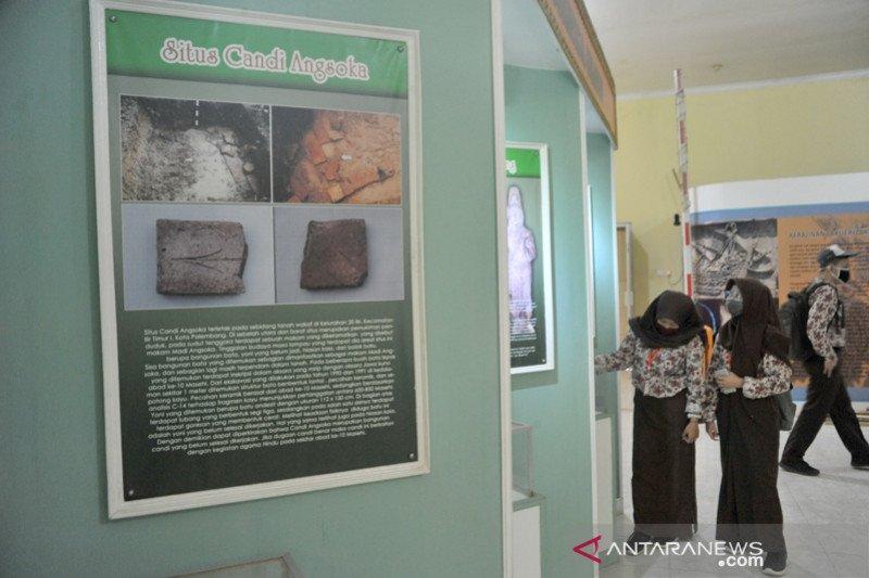 Belajar bersama di Museum Taman Purbakala Kerajaan Sriwijaya