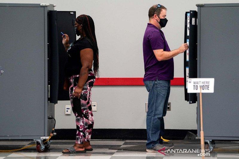 Tim kampanye Trump juga ajukan gugatan penghitungan suara di Georgia