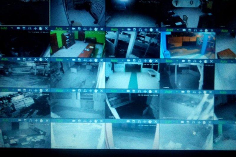 Wali Kota Kendari Pantau Pelayanan Kantor Kelurahan Melalui CCTV