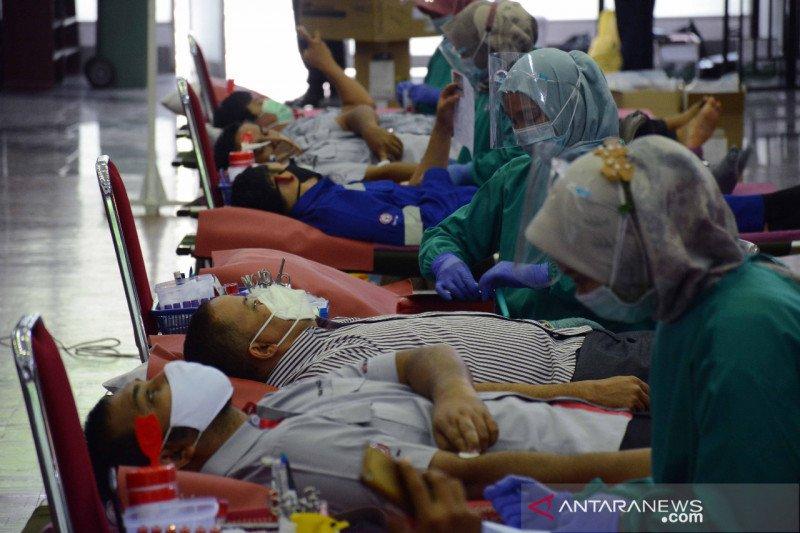 PT Semen Padang gelar donor darah dalam rangka peringati Hari Kesaktian Pancasila