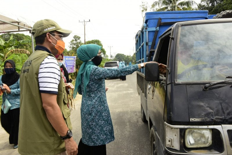 PKK Bengkalis bagi 1.500 masker ke masyarakat Rupat Utara