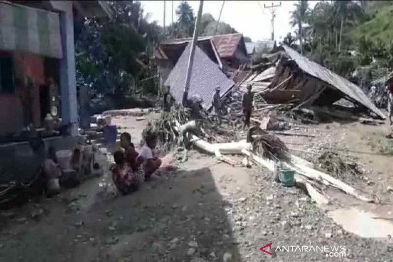 Banjir bandang melanda dua wilayah di Donggala