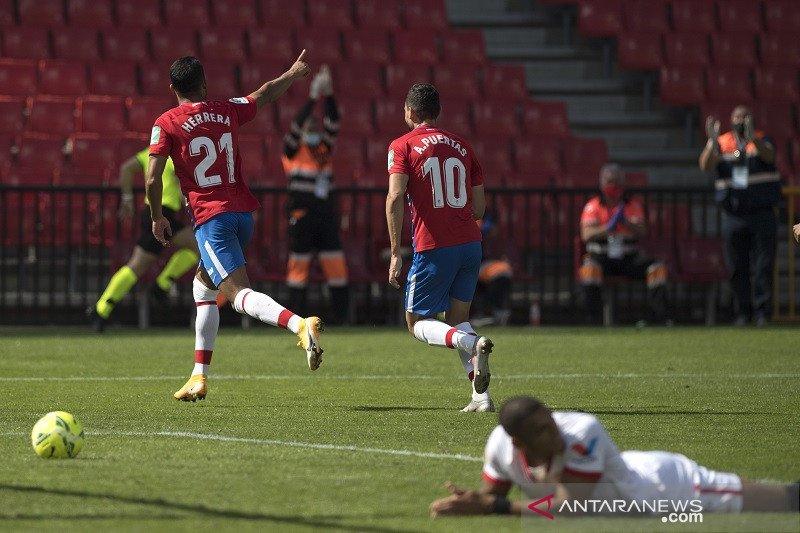 10 pemain Sevilla tersungkur di markas Granada 0-1
