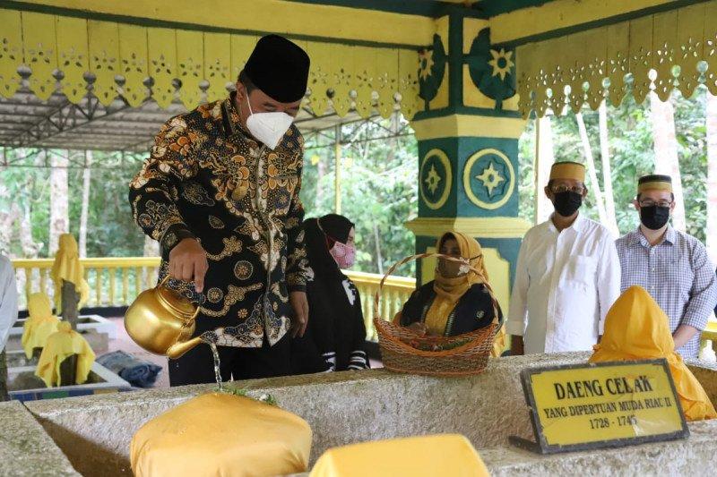 Makam para raja di Kepri  jadi tujuan wisata religi