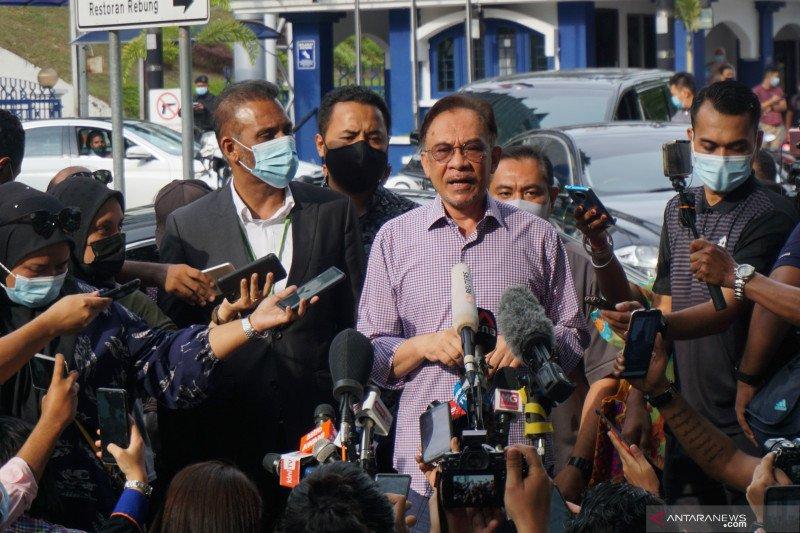 Anwar Ibrahim disidik PDRM dengan enam kasus