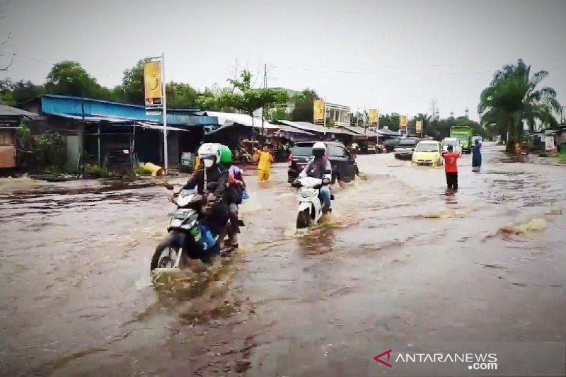 Sampit nyaris dikepung banjir