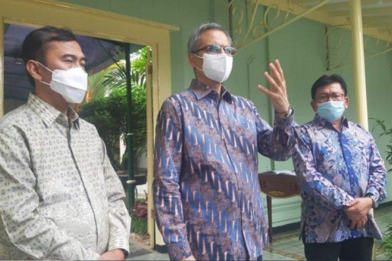 Astra Financial menyerahkan bantuan ventilator kepada Pemda DIY