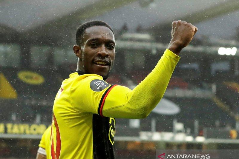 Brighton kontrak mantan pemain Manchester United dan Arsenal