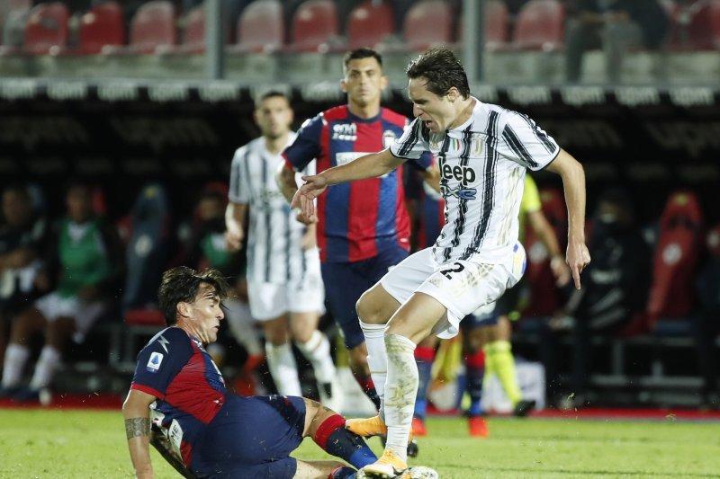 Tiga keputusan wasit Francesco bantu Crotone imbangi Juventus 1-1