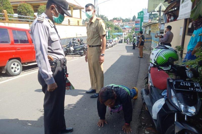 Polisi Sukabumi dikerahkan sadarkan warga untuk terapkan prokes