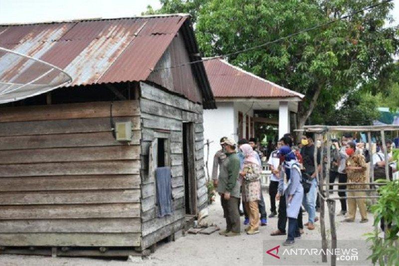 Warga pulau dapat bantuan rumah