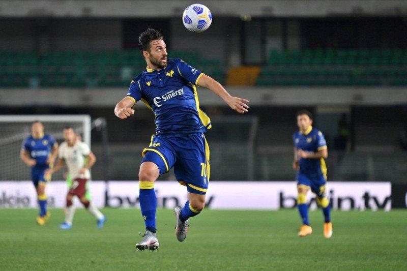 Verona seri kontra Genoa