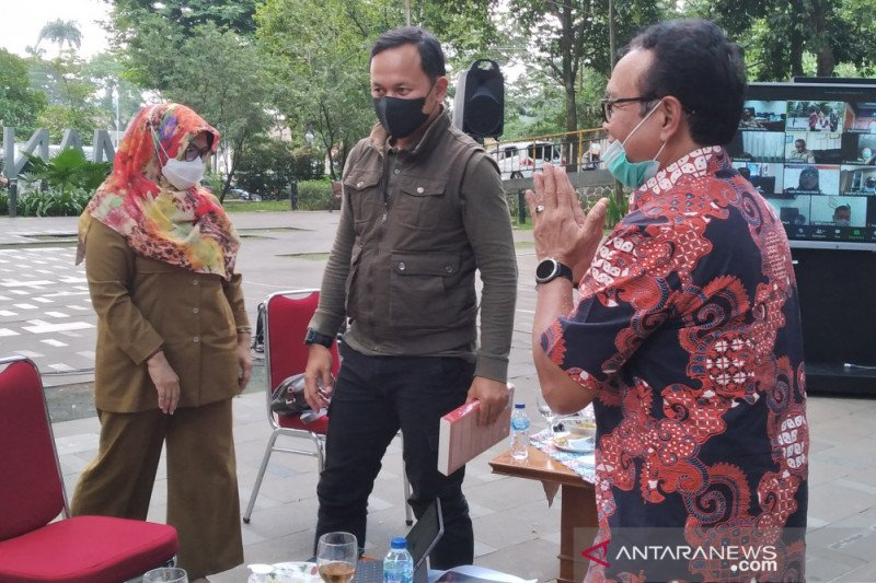 Wali Kota Bogor sebut presentasi pakar Otda mengenai UU Cipta Kerja menarik
