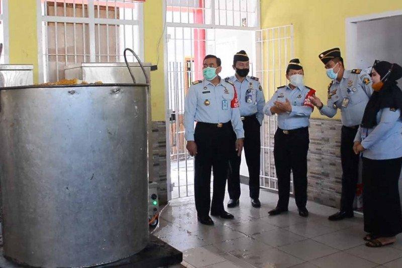 Kakanwil Kemenkumham Sulsel tinjau dapur Rutan Makassar