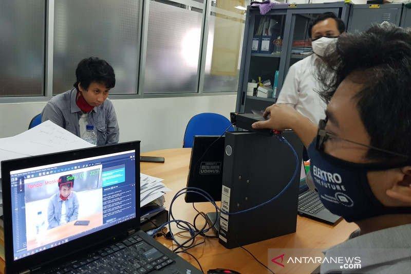 Tim Udinus Semarang ciptakan kamera  pendeteksi suhu dan pemakai masker