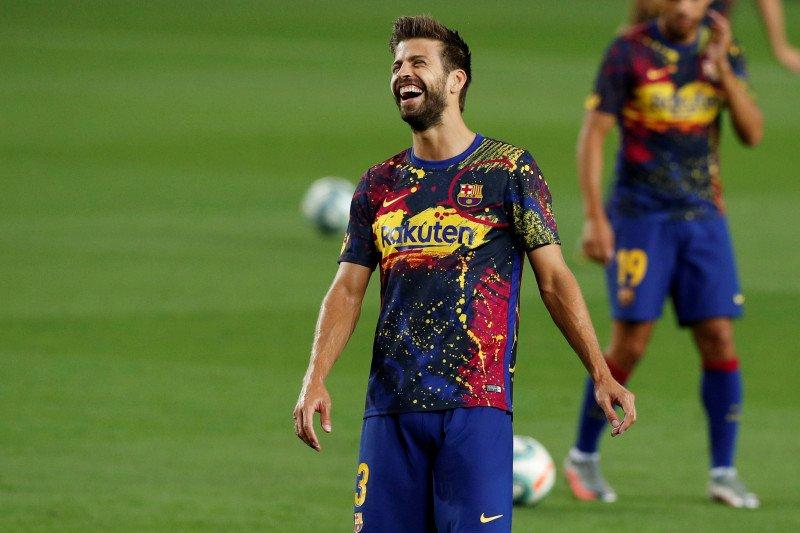 Pique dan empat pemain Barcelona diperpanjang kontraknya