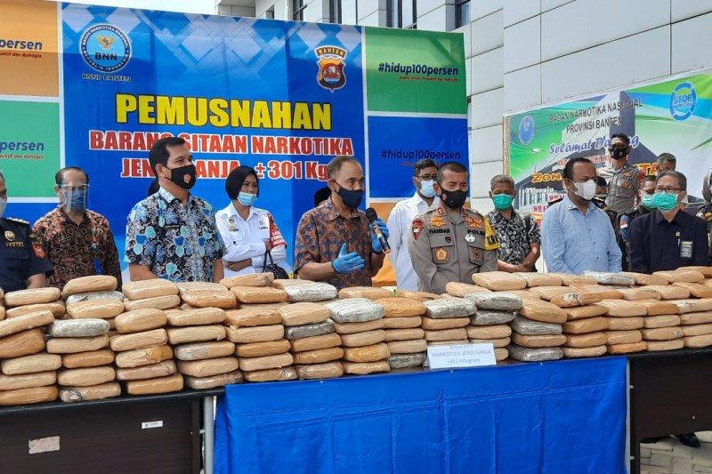 BNN Banten musnahkan barang bukti ganja 301 Kg