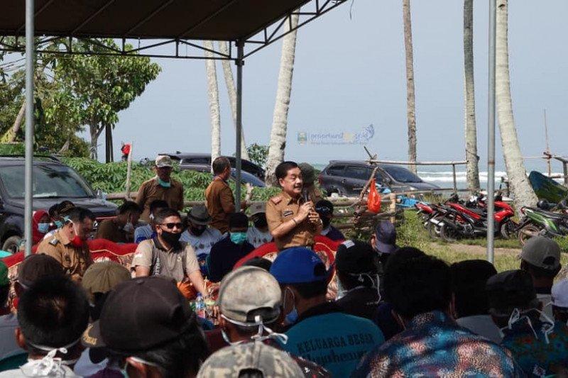 Penjabat Bupati Pesisir Barat ajak masyarakat kembangkan pariwisata