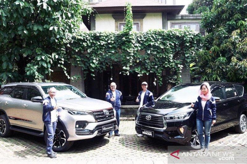 Toyota luncurkan Fortuner dan New Kijang Innova secara online