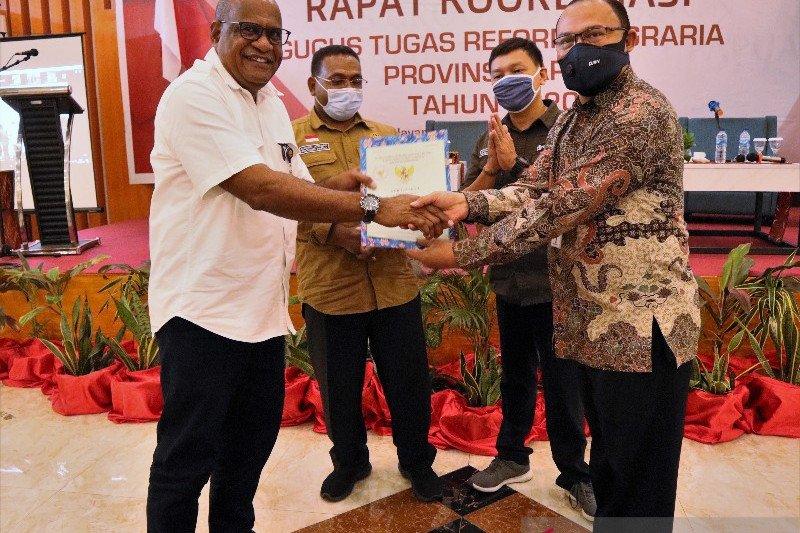 Kanwil DJKN serahkan 101 sertifikat tanah BMN di Papua