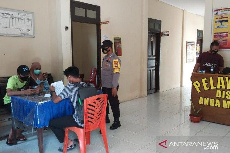 Guru sambut positif wifi gratis di Polsek Tambelan