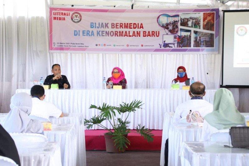 Plt Asisten III membuka kegiatan literasi media KPID NTB di KLU
