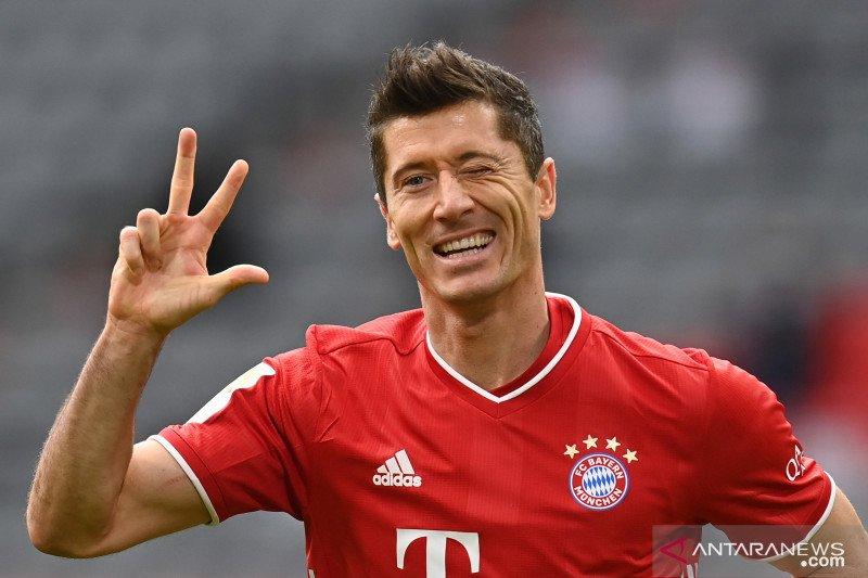 Bayern  kalahkan Frankfurt, tiga gol disumbang Lewandowski
