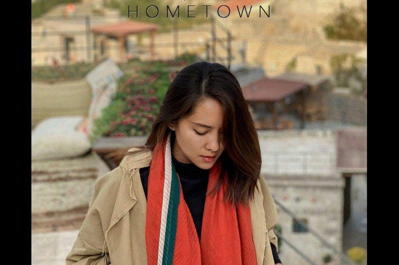 """Lala Karmela ungkap  harapan dan mimpi di lagu """"Hometown"""""""
