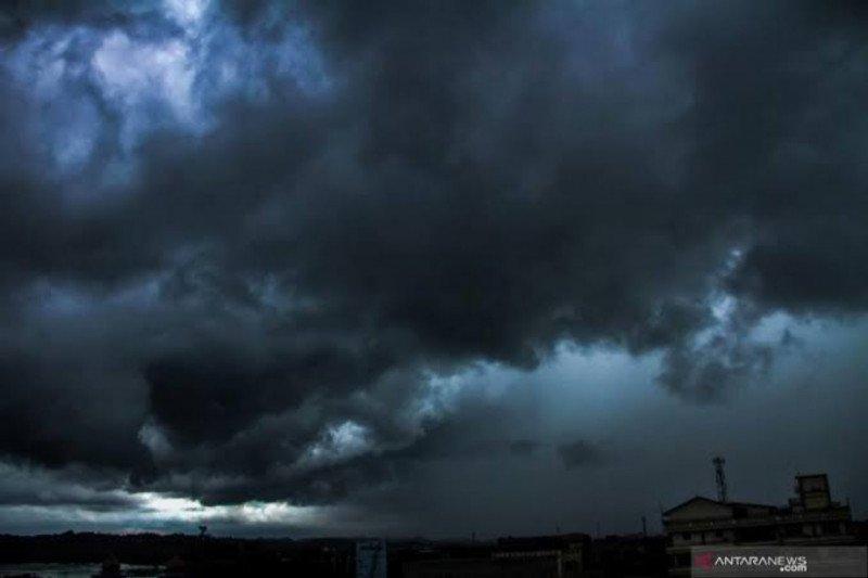 BMKG: Atmosfer tidak stabil  berpotensi cuaca ekstrem