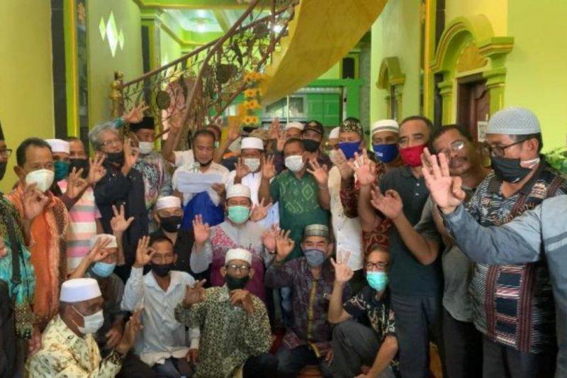 34 mantan kepala desa dan mantan lurah se-Kusan Hilir deklarasi pemenangan ZR
