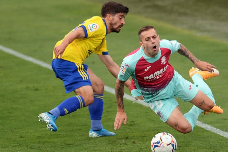 Villarreal ditahan seri Cadiz 0-0, menyia-nyiakan peluang ke puncak