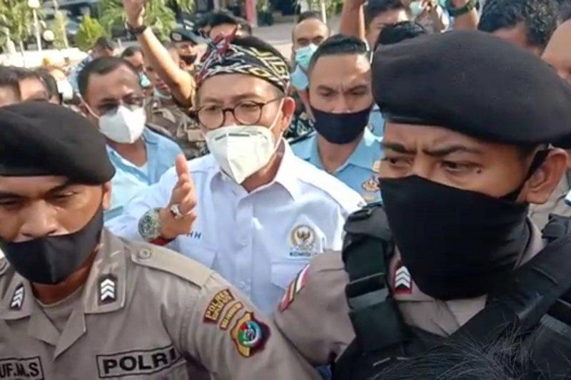 Kejati NTT diminta tangguhkan penahanan Jonas Salean