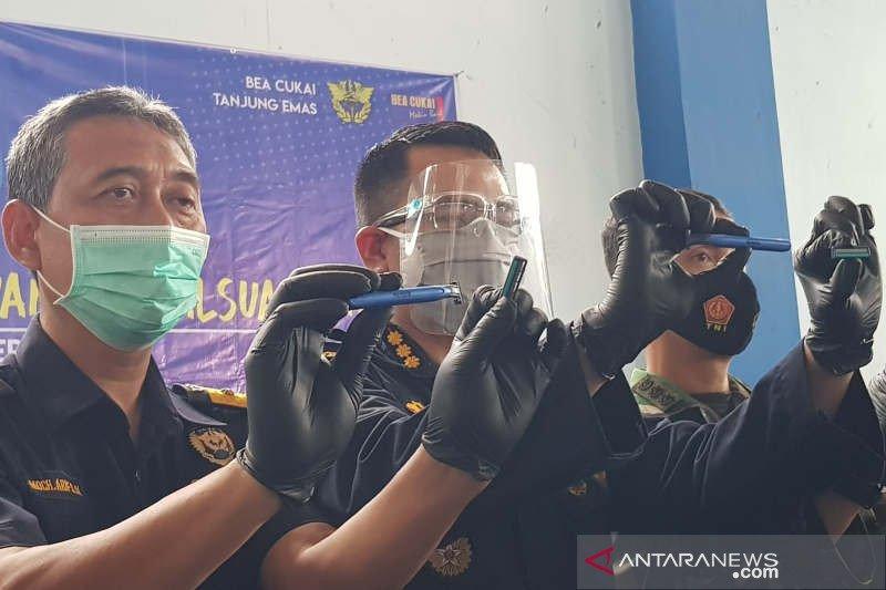 Bea Cukai Tanjung Emas gagalkan pengiriman ratusan ribu alat cukur ilegal