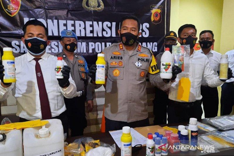 Polres Subang bekuk pelaku pemalsuan obat-obatan pertanian