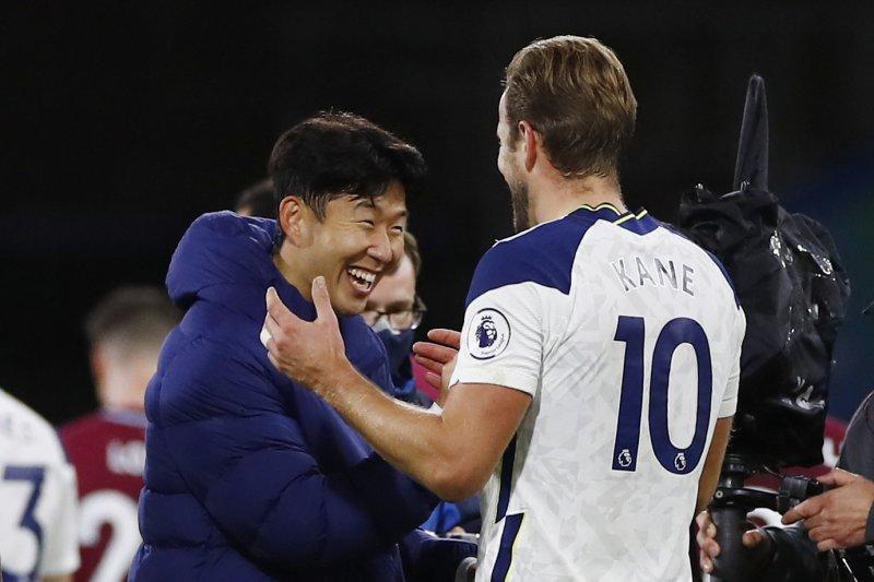 Mourinho puji Pochettino soal perpaduan Kane dan Son Heung-min dilini depan