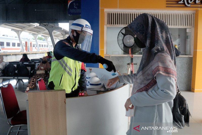 PT. KAI DIVRE II imbau penumpang KA tetap patuhi protokol kesehatan selama libur panjang