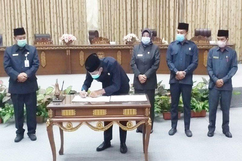 Pemkab-DPRD Barito Utara tandatangani nota kesepakatan KUA PPAS 2021