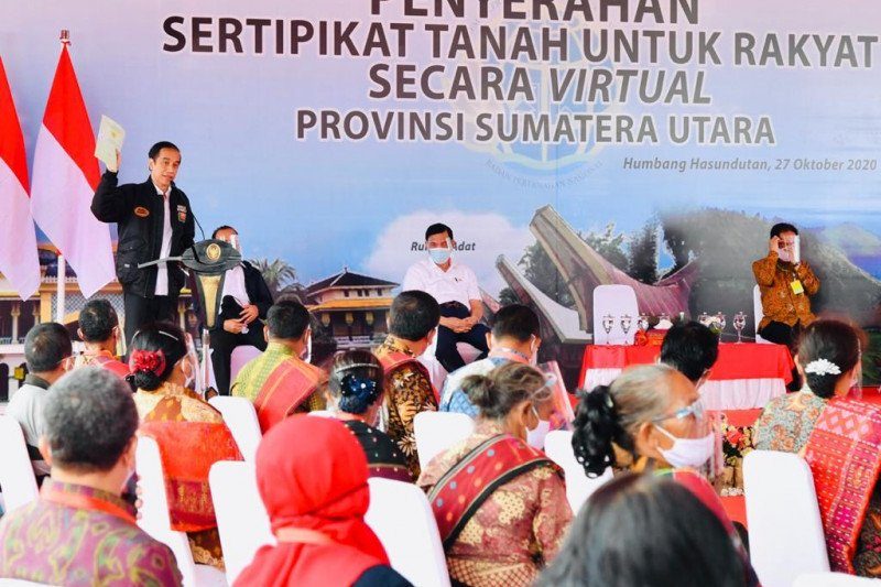 Presiden Jokowi: Seluruh bidang tanah harus sudah bersertifikat pada 2025