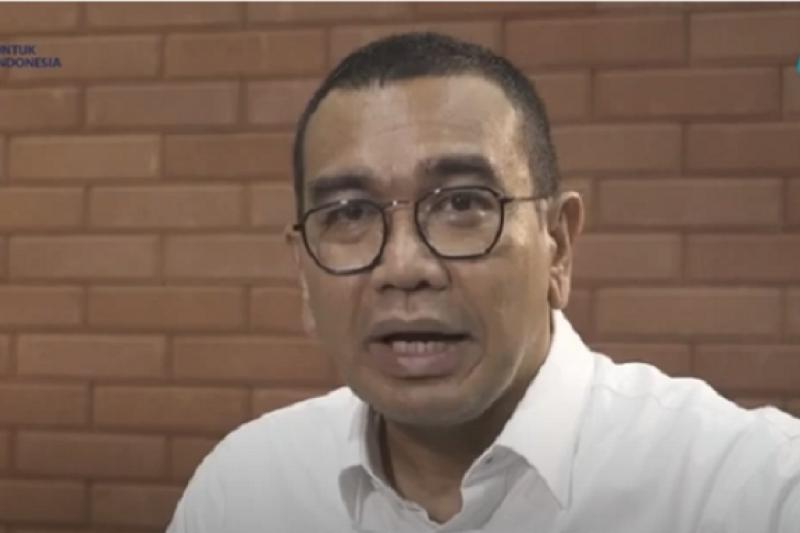 Arya Sinulingga berharap vaksin COVID membuat publik kembali beraktivitas
