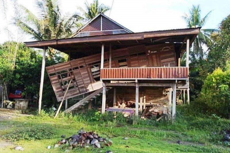 West Sulawesi: 10 homes damaged in 5.4-magnitude quake
