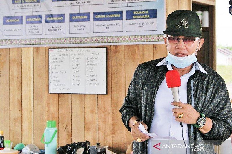 Universitas Palangka Raya swab 60 pegawai deteksi paparan COVID-19