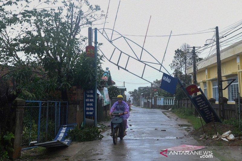 Vietnam diterjang Badai Molave, korban hilang masih dicari