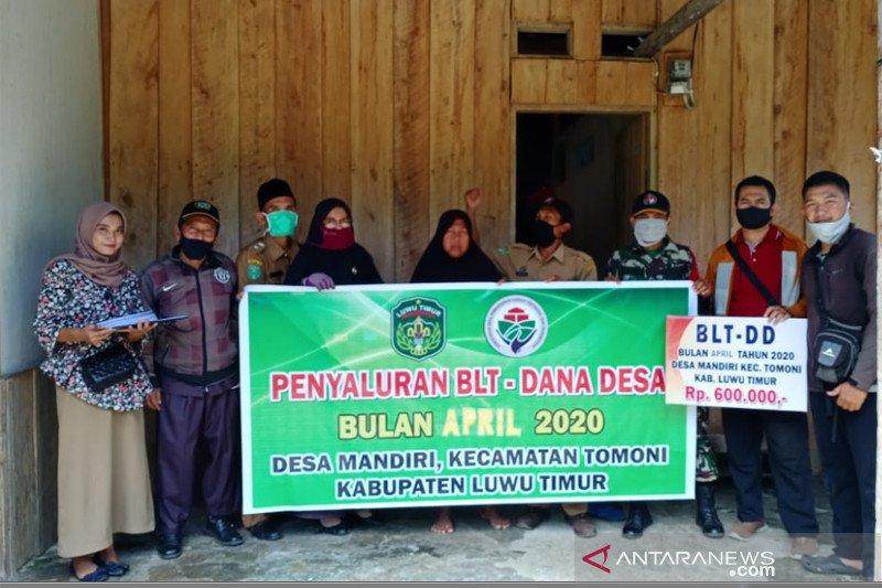 Pemdes Mandiri Lutim salurkan BLT Dana Desa kepada 105 KK
