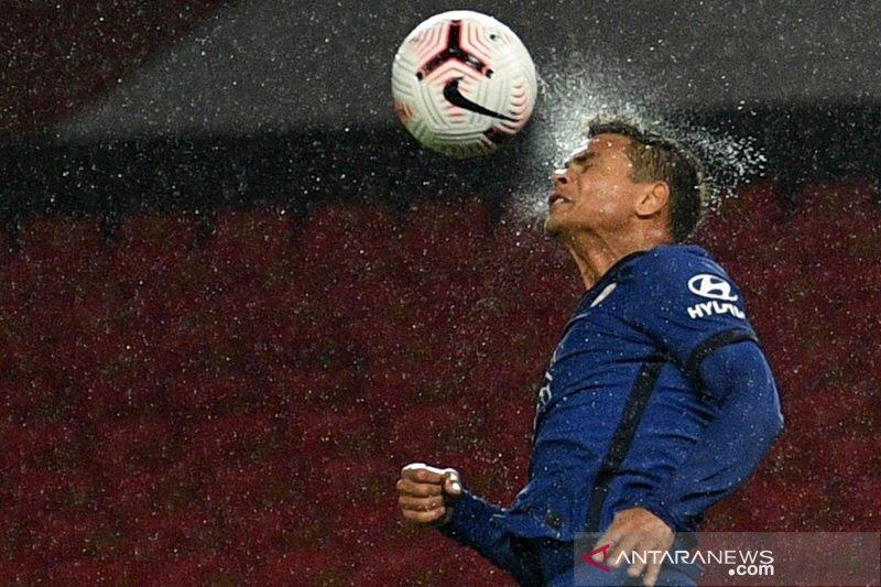 Pelatih Chelsea pastikan Thiago Silva bisa ikut ke Burnley