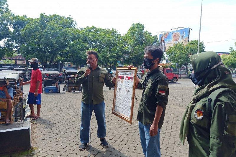 KPU Purbalingga sosialisasikan pilkada kepada  penarik becak