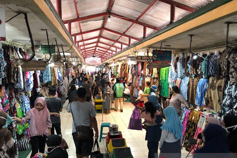 Pedagang Pasar Beringharjo berharap kenaikan omzet 70 persen