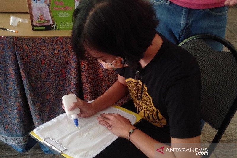 Batik Semar Solo cetak pembatik baru berpegang pakem