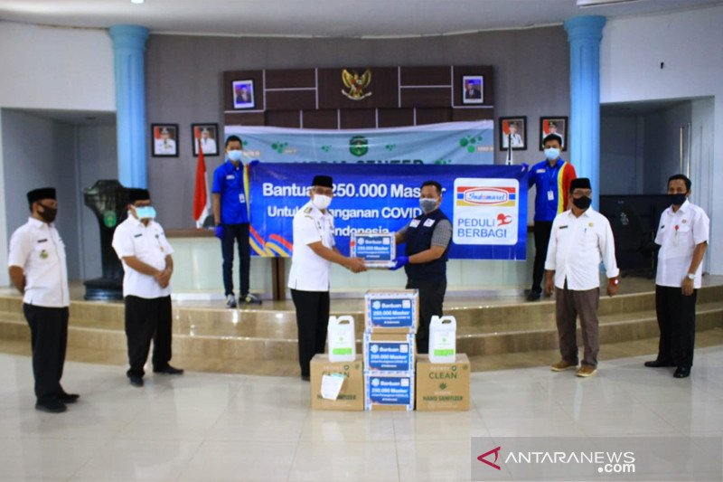 GTPP Lutim terima bantuan masker dan hand sanitizer dari Indomaret